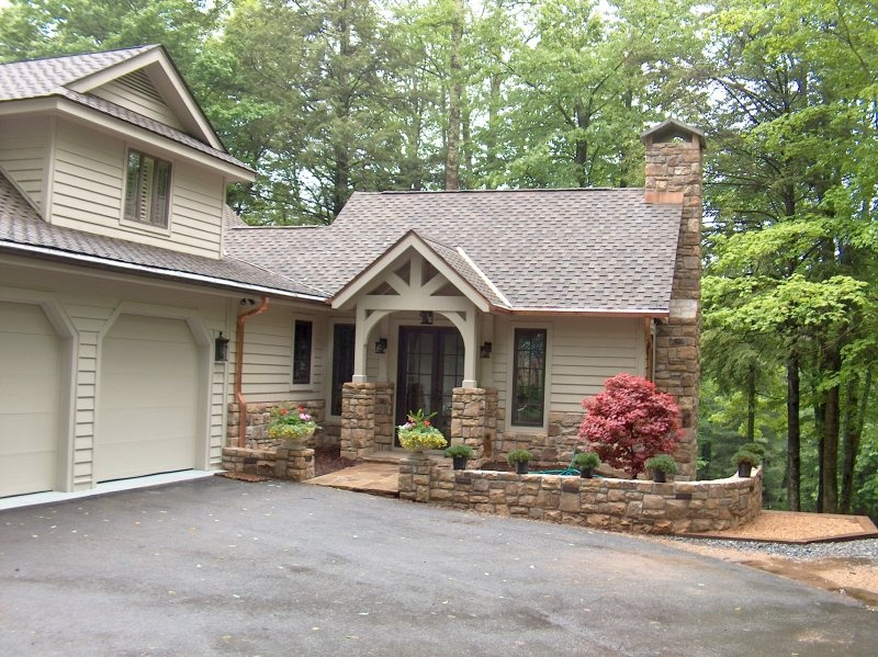 Custom home addition construction western nc for Great room addition